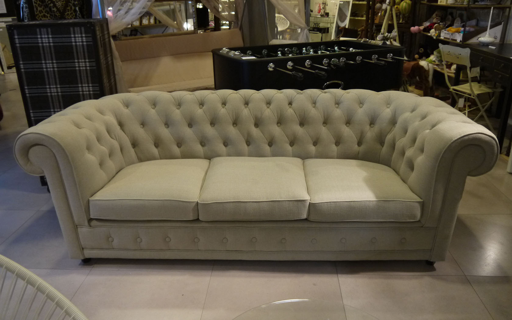 Sof chester estilo cl sico ingl s diferentes tapicerias for Sofa clasico ingles