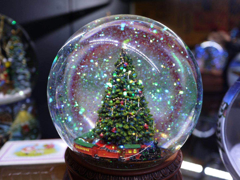 Pin bolas de cristal on pinterest - Bolas de cristal personalizadas ...