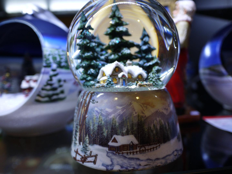 Bola de nieve pueblo nevado - Bola nieve cristal ...